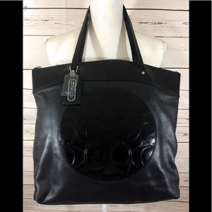 {COACH} - BLACK PATENT & LEATHER SHOULDER BAG